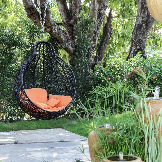 <p>Garden swing seats and outdoor porch swing to enjoy your backyard</p>