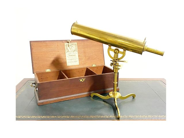 The mid-18th century lacquered brass Gregorian-type telescope in a fitted mahogany case sold for £4,712, inclusive of charges, at Gildings Auctioneers.