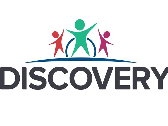 Discovery Trust logo.