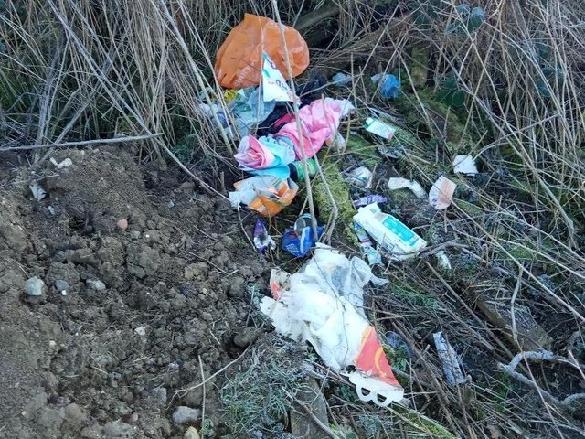 A disgusting pile of rubbish – including jars of rotting food – has been dumped in beautiful countryside near Market Harborough.