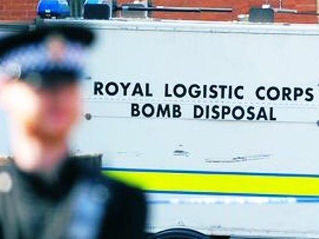 Army bomb disposal experts were called to Market Harborough to investigate a wartime weapons scare late last night (Tuesday).