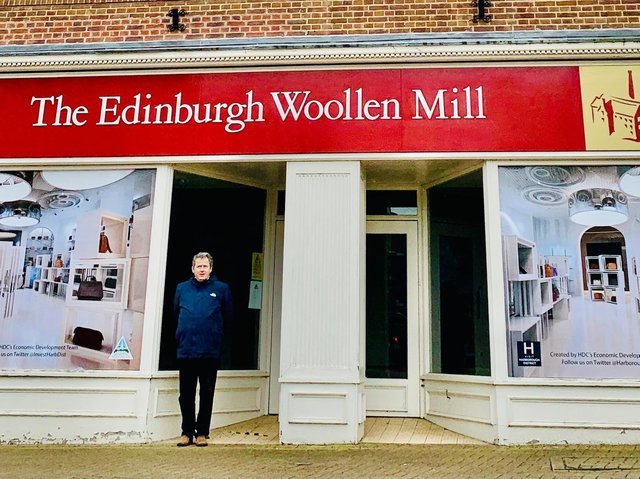 The innovative, eye-catching vinyl image has been put up to showcase the totemic former Edinburgh Woollen Mill store on The Square in the town centre by Harborough council.