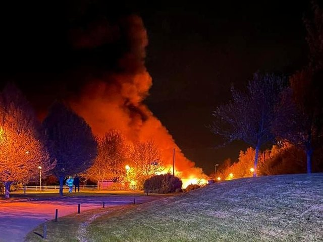 The huge fire at Lutterworth Golf Club.